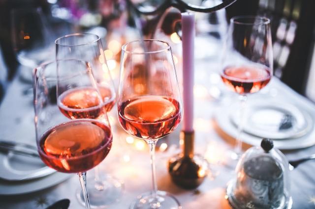 1707664105-wine-791133_1920-jROW-640x426-MM-100